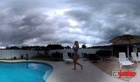 Babe Natasha In The Pool
