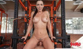 Rachel Starr Gives You a Sexy Bootcamp Workout
