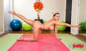 Private Yoga Workout with Luna Star